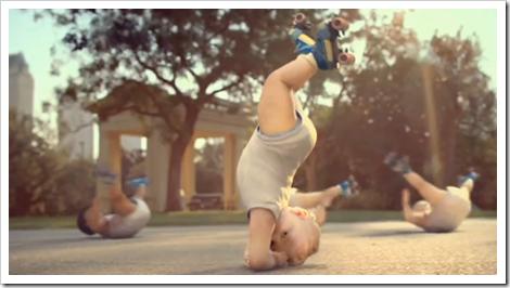 bebe-acrobate-evian4