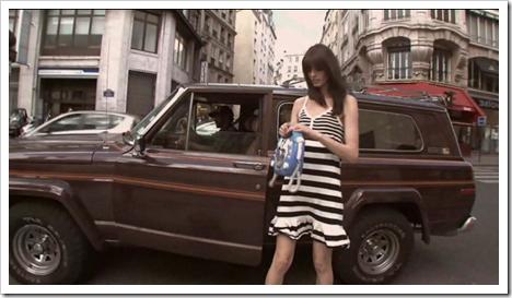 buzz-sexe-3-filles-nues-montorgueil-paris